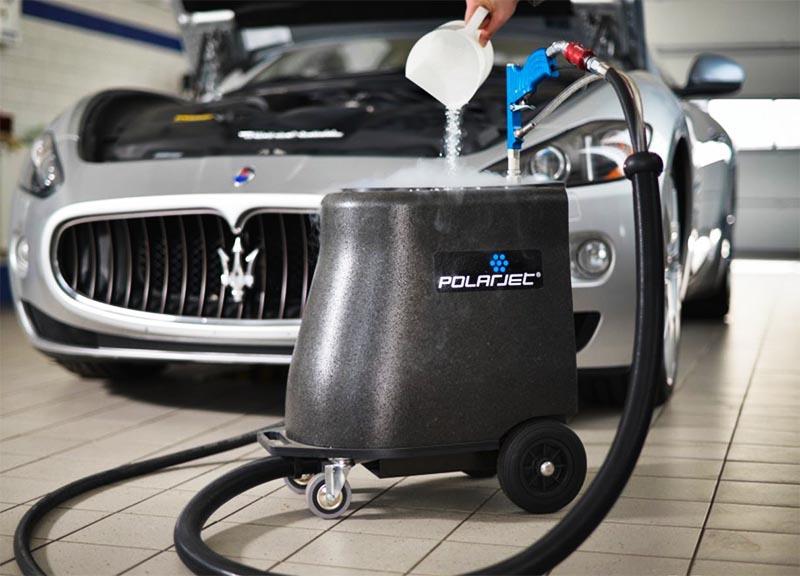 czyszczenie samochodów przy użyciu technologii Polarjet, suchy lód
